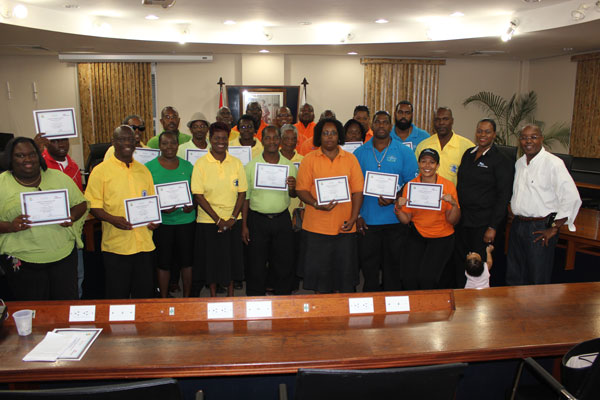 taxidriversreceivecertificates30092012