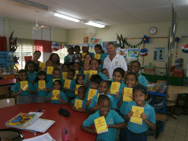 rotarydonatestostdominicprimaryschool06122011