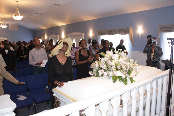 touchingcasket25102010
